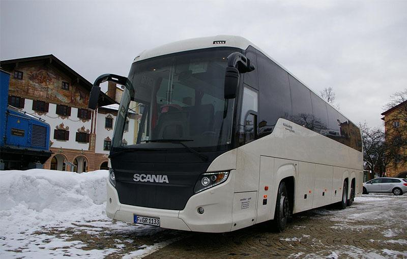 s_0007_Scania Touring HD Semifrontal